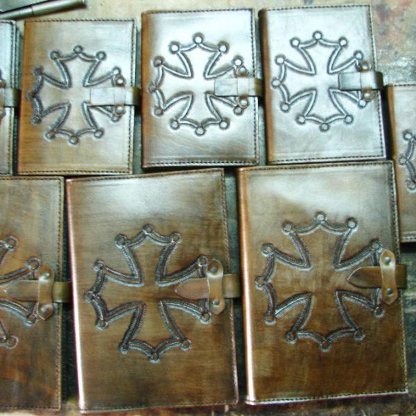 kožené desky